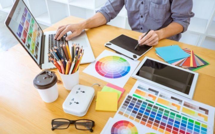 フリーのイラストレーターは年収が低い?!上げるにはどうしたらいい?