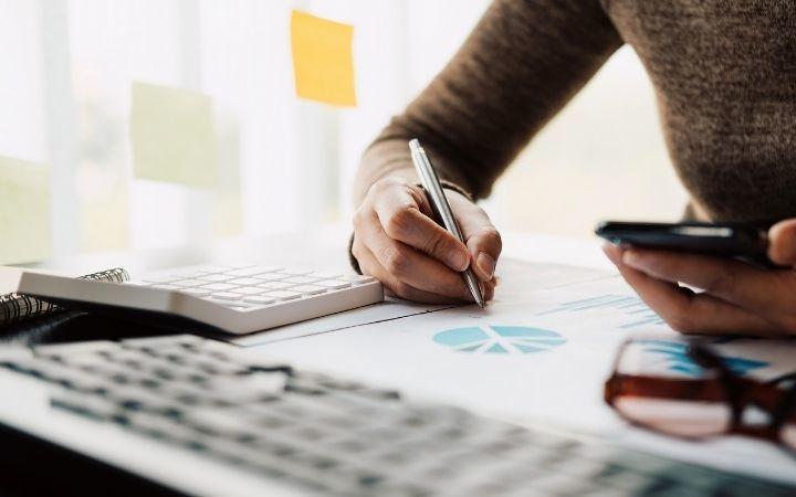 webデザイナーとして年収を上げる6つの方法